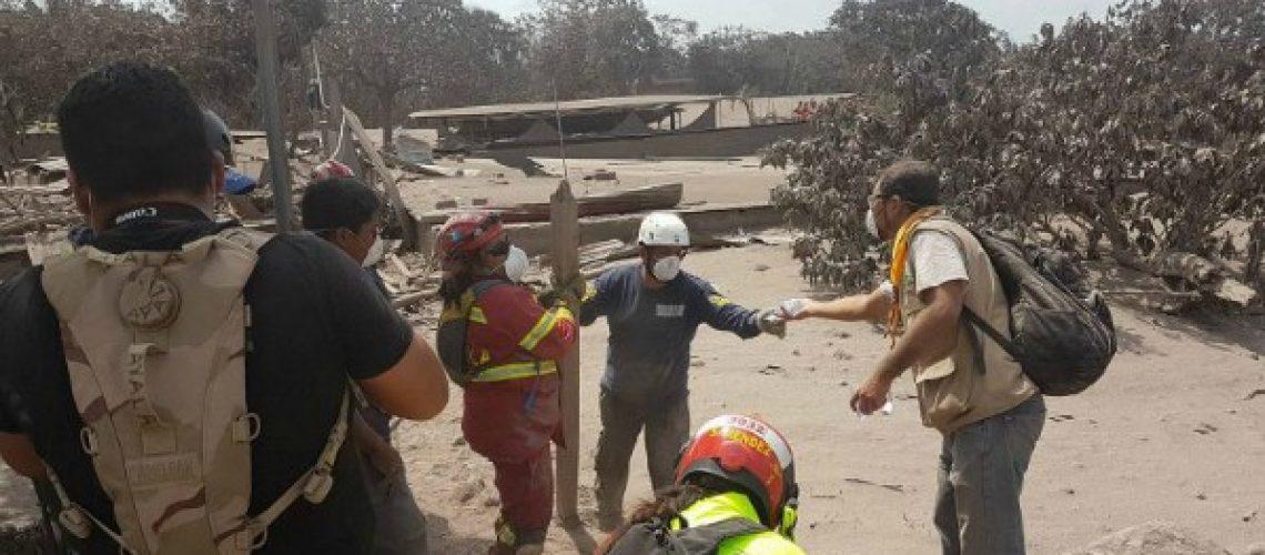 guate-volcano-rescuers-768x432